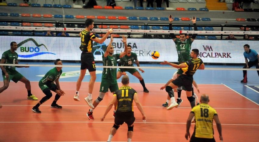 Bursa Büyükşehir Belediyespor-Arhavi Voleybol: 3-0
