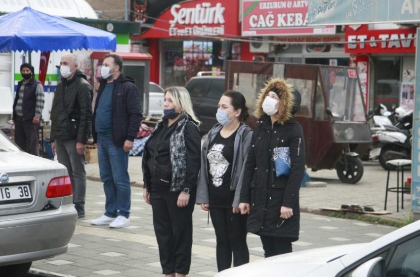 Bursa'da Ulu Önder'e büyük saygı