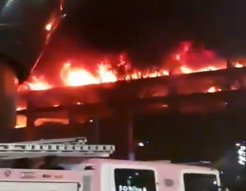 Otoparkta yangın: Yüzlerce araç yandı!
