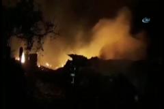 Yangında 9 ev kül oldu