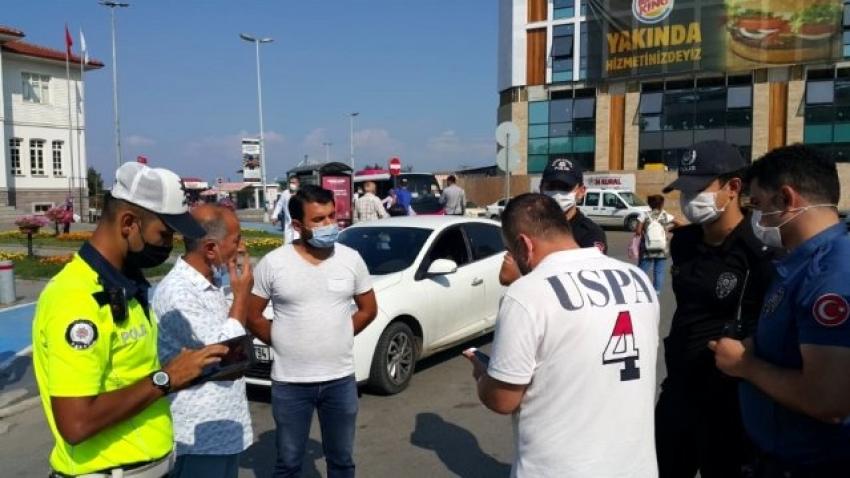 Trafik kurallarına uymayan eski vekil polislerle tartıştı
