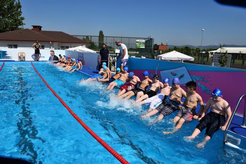 Yıldırımlı çocukların havuz  keyfi