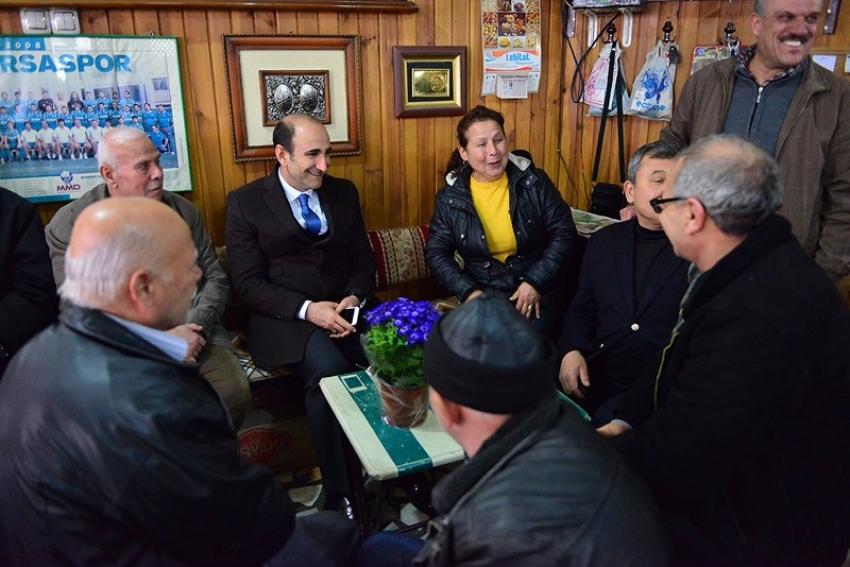 Başkan halkla iç içe...