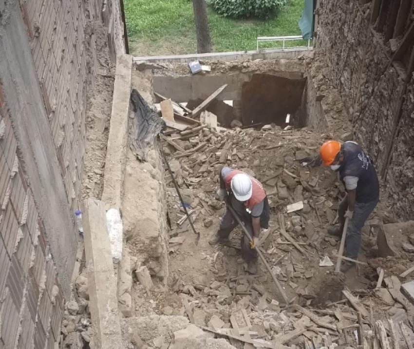 Doktor Seyfi'nin evinin yıkımı tamamlandı
