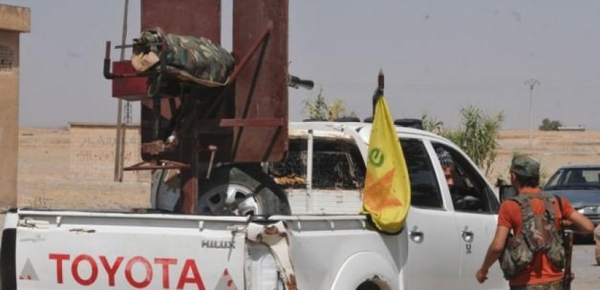 YPG Türkmen köyünü bastı!