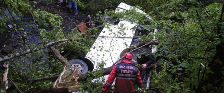 Cenaze dönüşü kaza: 10 ölü, 19 yaralı