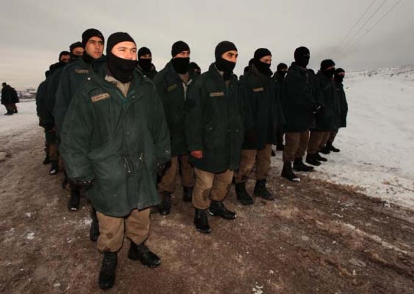 Özel Harekat Polisi adaylarının zorlu eğitimi!