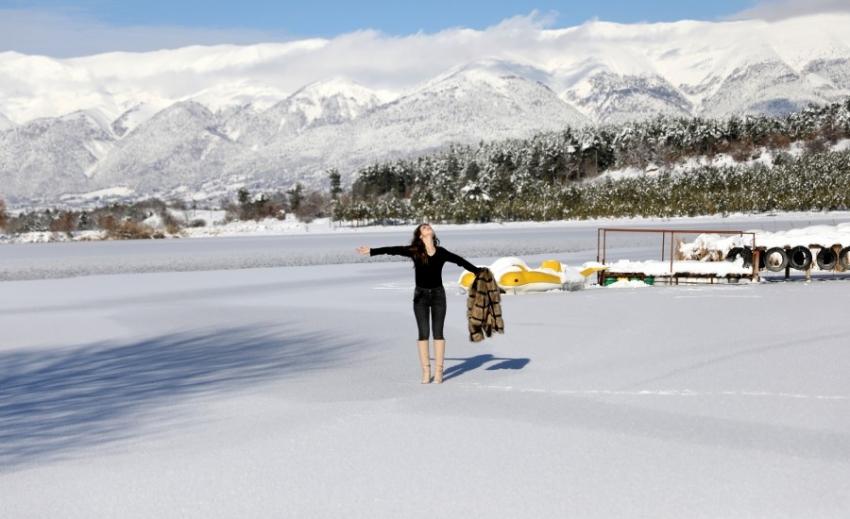Bursa'da Gököz Gölü buz tuttu